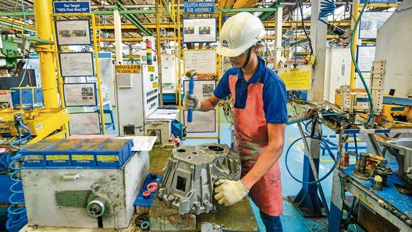 Aim of becoming $5-trillion economy possible, says Pranab Mukherjee