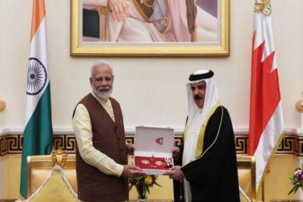 बहरीन में PM मोदी को मिला 'द किंग हमाद ऑर्डर ऑफ द रेनसां' सम्मान