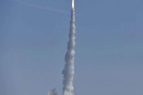 China successfully launches three new satellites