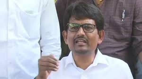 Congress MLAs Alpesh Thakor, Zala quit Gujarat Assembly