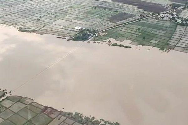 Rahul Gandhi Visits Flood-Ravaged Kerala, Says More Help Needed