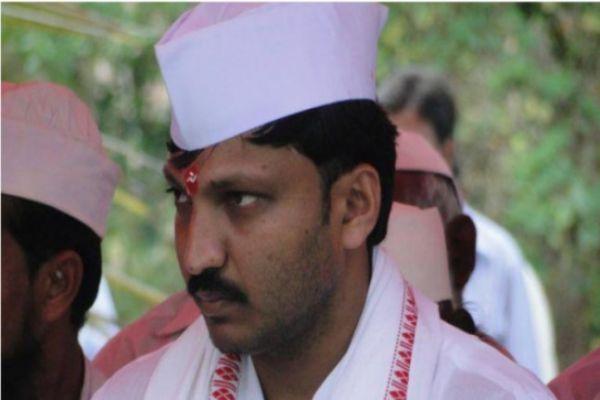 Maharashtra: Shiv Sena MP Omraje Nimbalkar injured in attack at rally