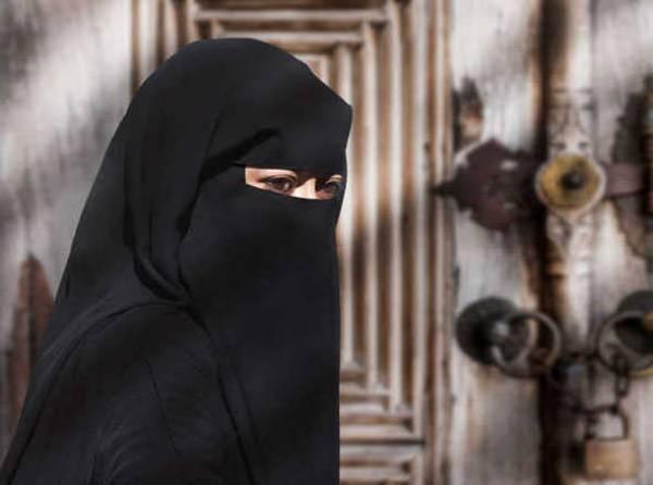 Supreme Court agrees to hear pleas against new triple talaq law
